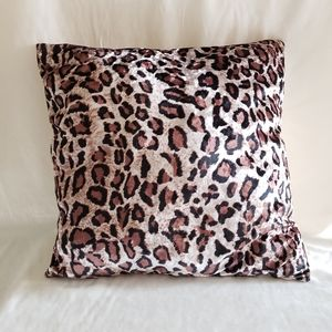Other - Set of 2 Decorative Soft Fur Pillows